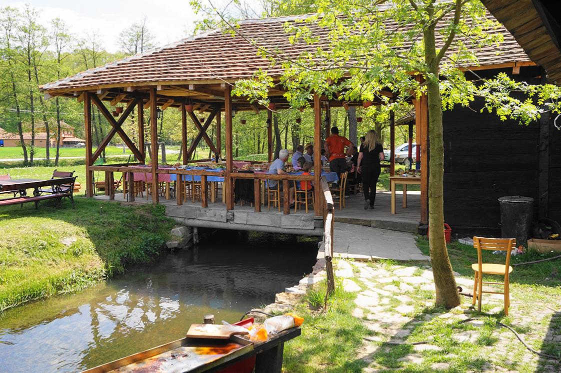 kumova vodenica restoran terasa